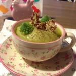 Vellutata con broccolo romanesco e cereali integrali al formaggio