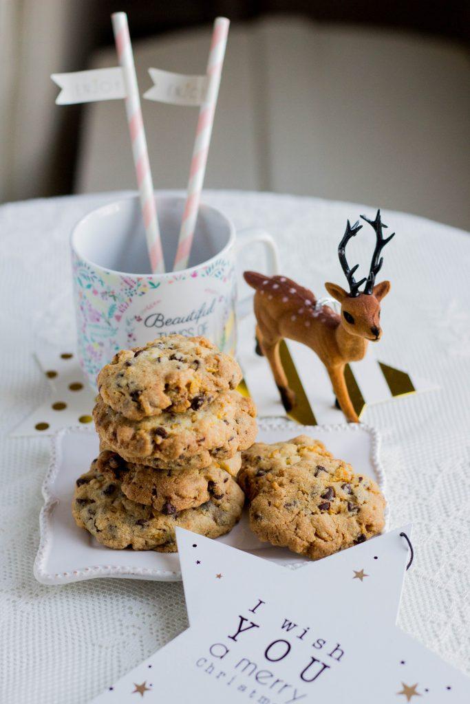 biscotti_con_gocce_di_cioccolato_facili_e_veloci